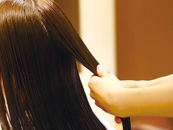 痛みきった髪が生き返ったかのようにサラサラになって感動しました!